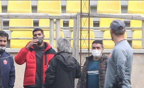 محمد انصاری با لباس شخصی در تمرین حاضر شد