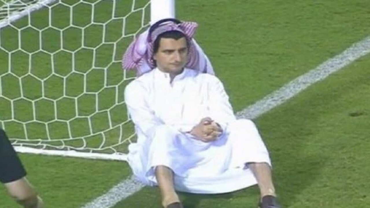 تکیه مدیرعامل تیم النصر عربستان به تیر دروازه