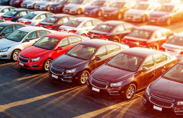 دولت زیر بار واردات خودرو می رود؟
