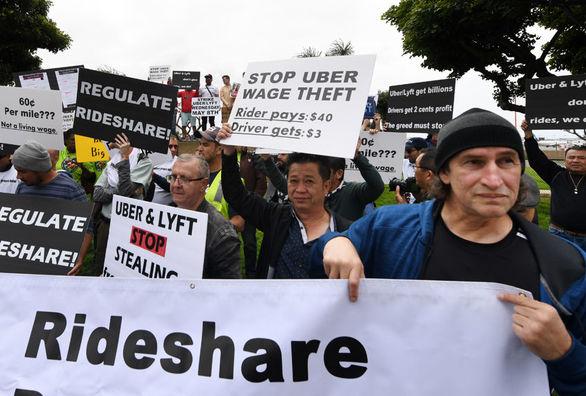 رانندگان تاکسی های اینترنتی معروف اعتصاب کردند