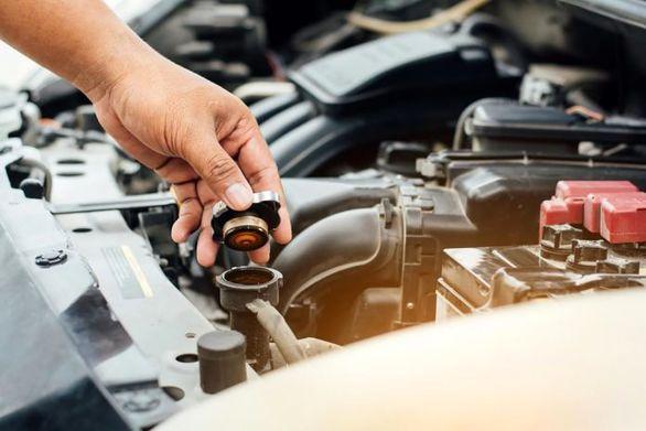 آیا می توان آب خالی را درون رادیاتور خودرو ریخت؟