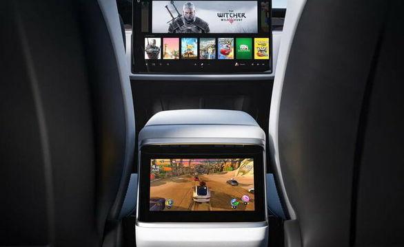 بازیهای روز دنیا در تسلا مدل S جدید