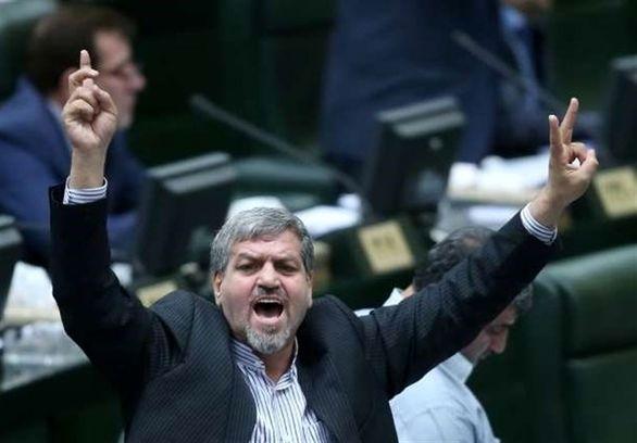 واکنش نماینده مجلس هوادار استقلال به حضور احمدی نژاد در بازی این تیم