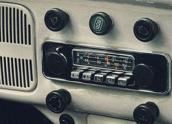 نگاهی به تاریخچه سیستم پخش خودروها