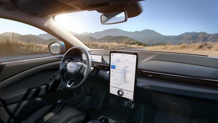 خودروی تمام الکتریکی فورد موستانگ Mach-E رونمایی شد