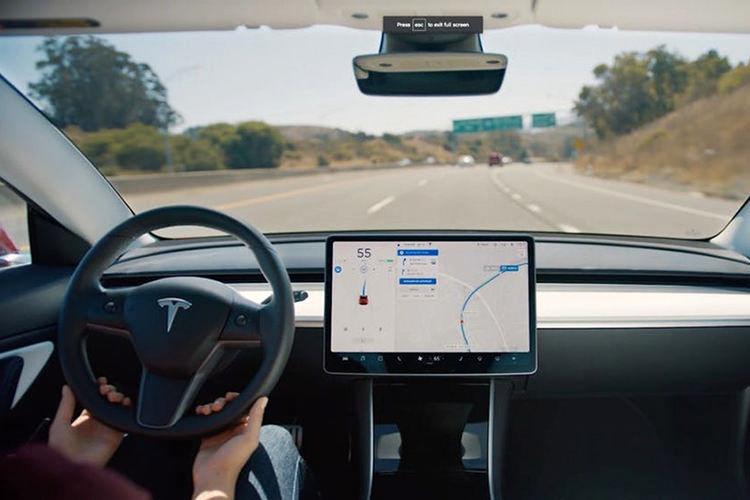 Tesla Autopilot / اتوپایلوت تسلا
