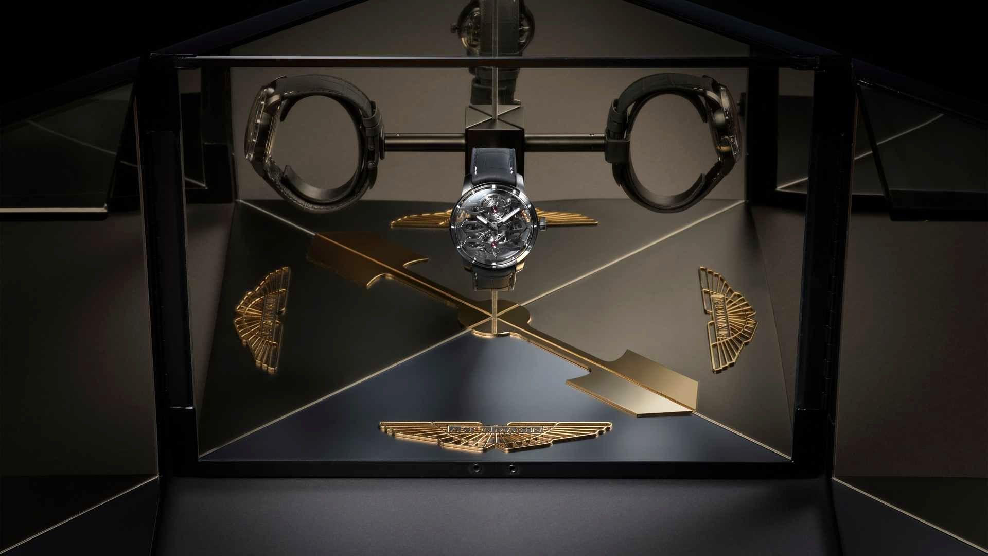 ساعت تولید محدود استون مارتین با قاب شفاف