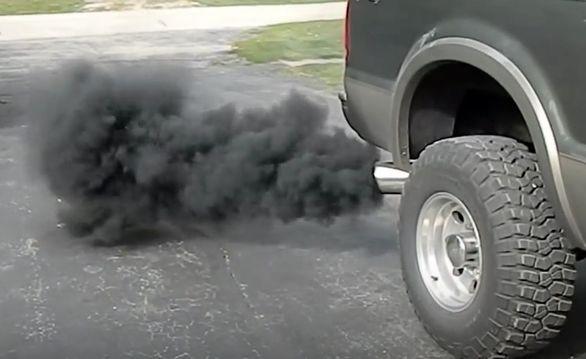 دلایل و روش های جلوگیری از روغن سوزی ماشین