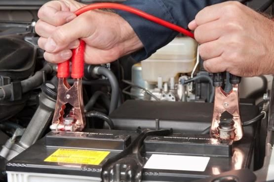 دلایل خوابیدن باتری خودرو + آموزش باتری به باتری صحیح