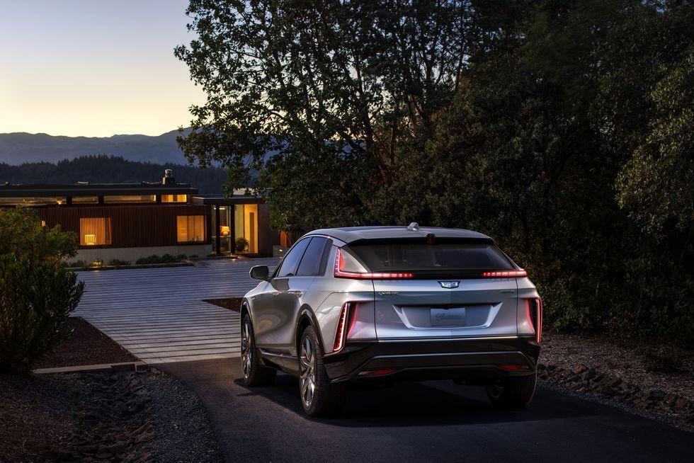 کادیلاک Lyriq 2023 اولین خودرو الکتریکی