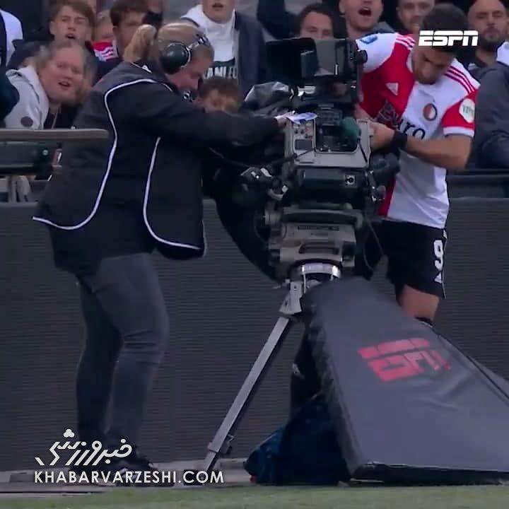 لحظه به لحظه حرکت زیبای جهانبخش با فیلمبردار زن/ واکنش جالب هواداران حاضر در استادیوم