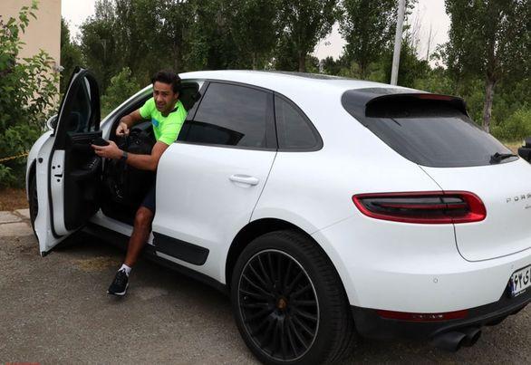 فوتبالیست ها، خواننده ها و بازیگران معروف ایران چه خودرویی سوار می شوند؟