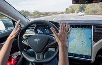 پژوهش MIT نشان داد: استفاده از سیستم خودران تسلا حواس راننده را پرت می کند