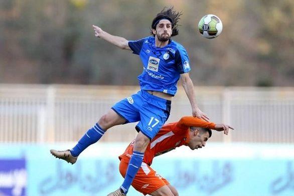 واکنش بازیکن استقلال به زمزمه های جدایی از این تیم (عکس)