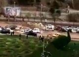 حرکت دادن و تخریب تعداد زیادی خودرو توسط سیل امروز شیراز + ویدئو