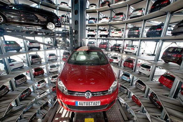 کاهش پیش بینی فروش خودرو در سال 2021