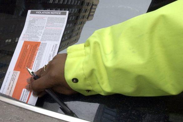 توقف صدور جریمه پارک خودرو در شیکاگو به دلیل ویروس کرونا