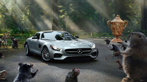 رقابت میلیون دلاری خودروسازان برای تبلیغ بین دو نیمه!