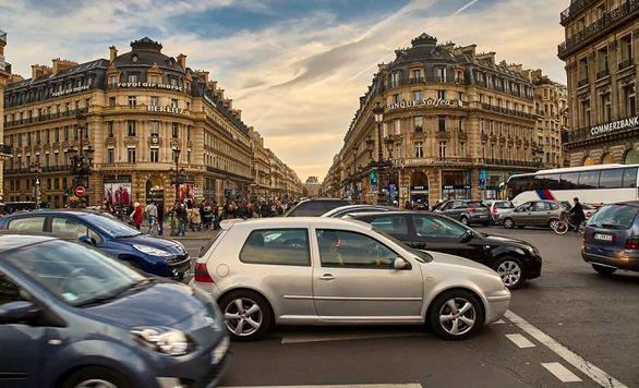 سخت گیری شهرداری پاریس برای تردد خودروها