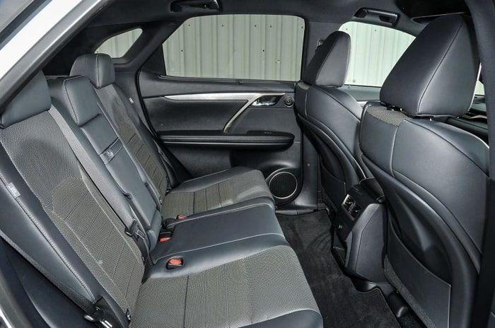 backseat_Lexsus_RX200