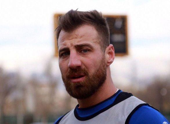 بازیکن بلغاری استقلال انگشت زد (عکس)