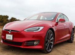 تسلا مدل S خودروی سال مجله موتور ترند شد