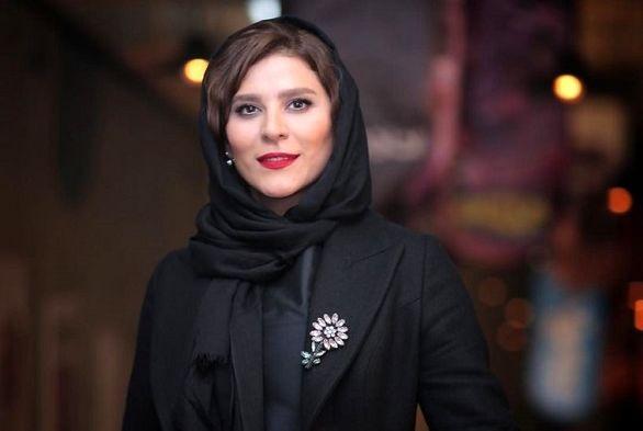 تنها خانم بازیگر حاضر در مراسم تشییع محمدرضا شجریان