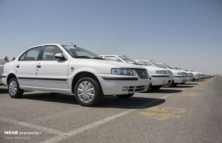 ریزش قیمت خودرو امروز نیز ادامه یافت / سمند LX پنج میلیون دیگر ارزان شد