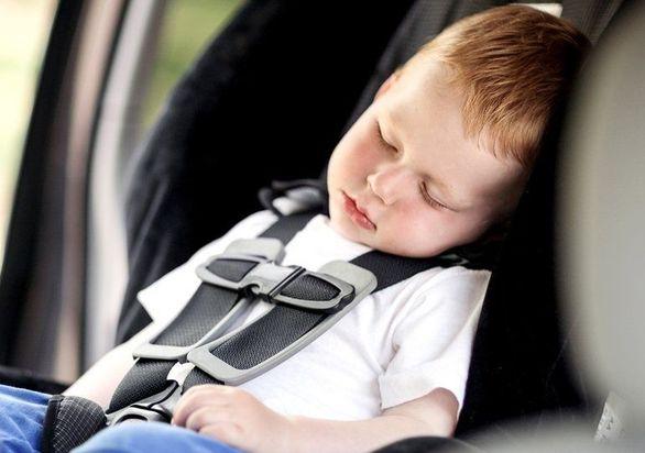 کودکان را در خودرو رها نکنید | افزایش دما تا 70 درجه