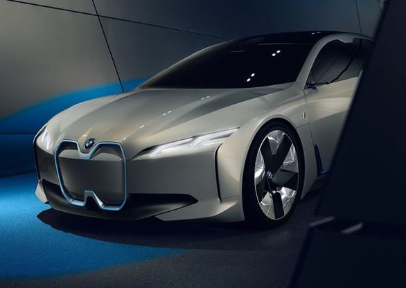 ب ام و i7 اولین سوپر اسپرت برقی آلمان ها