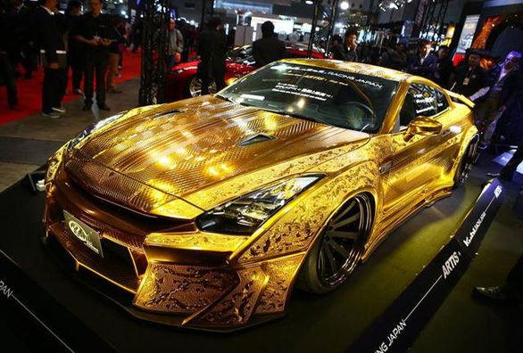 حراج نیسان GT-R طلاپوش | قیمت پایه 550 هزار دلار