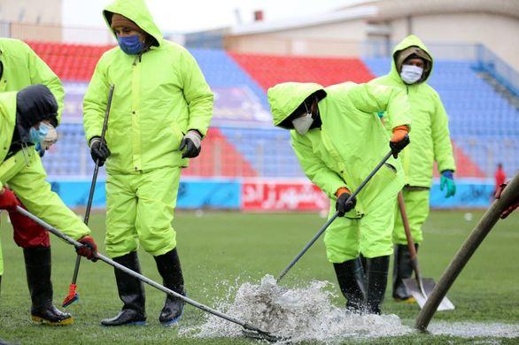 عکس | عملیات تخلیه آب در ورزشگاه شهید وطنی