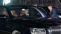 رانندگی ولادمیر پوتین با لیموزین خاص + عکس