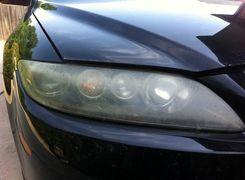 چگونه با اسپری حشره کش چراغ خودرو را تمیز کنیم؟ (فیلم)