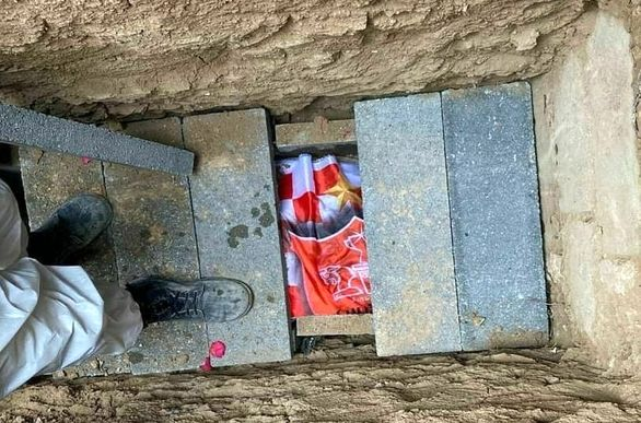 برادرانی که انصاریان و میناوند را درون قبر گذاشتند