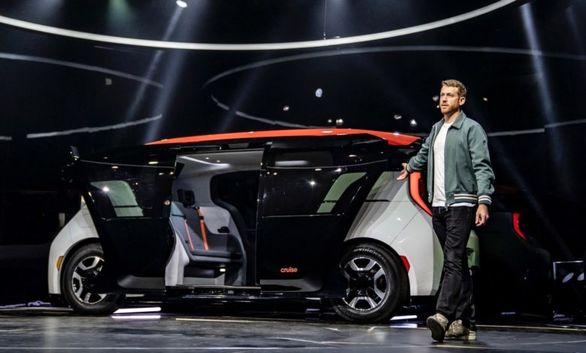 اولین خودروی خودران بدون فرمان و پدال