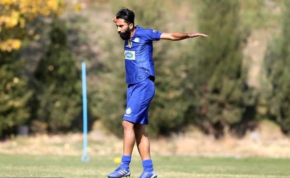 پادرمیانی برای بازگشت بازیکن استقلال و خروج از لیست مازاد