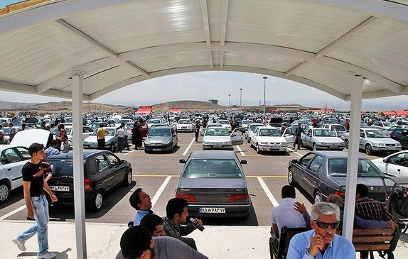 ریزش گسترده قیمت انواع خودرو در بازار | اسامی