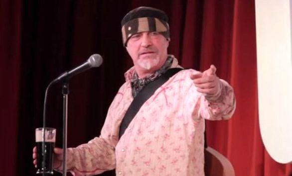 کمدین معروف روی صحنه نمایش درگذشت